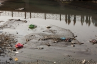 China;chinese;water;water-shortage;drought;river;rubbish;litter;environment;pollution;polluted;sewer;open-sewer;toxic;poisoned;dirty;disgusting;dead;drain;outfall;Hangang;bridge;reflection;people;crowd