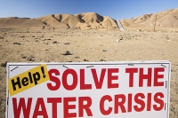 USA;US;America;California;drought;climate-change;global-warming;irrigation;Central-Valley;San-Joaquin;canal;Department-of-water-Resources;California-Aquaduct;dessicated;farmland;cow-pat;dung;dried-up;grazing;pipeline;red;sign;composite;water-crisis;crisis