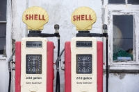 Roseland-peninsular;Cornwall;St-Mawes;red;yellow;colourful;old;historic;petrol;petrol-pump;gas;gas-pump;Shell;gallon