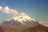 South-America;Bolivia;La-Paz;slope;Andes;mountain;altitude;high;El-Alto;Illimani;snow;glacier;plane;airplane;jet;travel;transport;worlds-highest;landing;El-Alto-airport