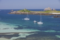 Cornwall;UK;coastal;sea;atlantic;ocean;sky;blue;outdoors;landscape;summer;sun;Tresco;island;Scilly;Scilly-Isles;Isles-of-Scilly;Gulf-Stream;mild;tropical;North-Atlantic-Drift;sea-temperature;ocean-current;vegetation;climate-change;global-warming;tropical;beach;sand;sandy;tide;low-tide;intertidal;aquamarine;shallow;sea-bed;yacht;sailing-boat;boat;moored