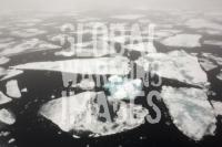 Spitsbergen-Svalbard-Arctic-Arctic-Circle-Arctic-Ocean-remote-ic