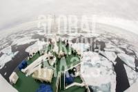 Spitsbergen;Svalbard-Arctic-Artic-Circle-Arctic-Ocean-North-beach-coast-tour