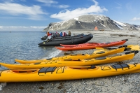 Spitsbergen;Svalbard-Arctic-Artic-Circle-Arctic-Ocean-North-beach-coast-tour;canoe-kayak-sea-kayak-paddle-paddling