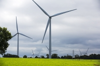 wind-farm;wind-farm;UK;renewable;renewable-energy;green;clean;carbon-neutral;energy;electricity;wind-turbine;climate-change;global-warming;onshore;movement;motion-blur;turning;generating;Cranford;rubbish;Northamptonshire;Yelvertoft;Yelvertoft-windfarm;pylon;grid;distribution